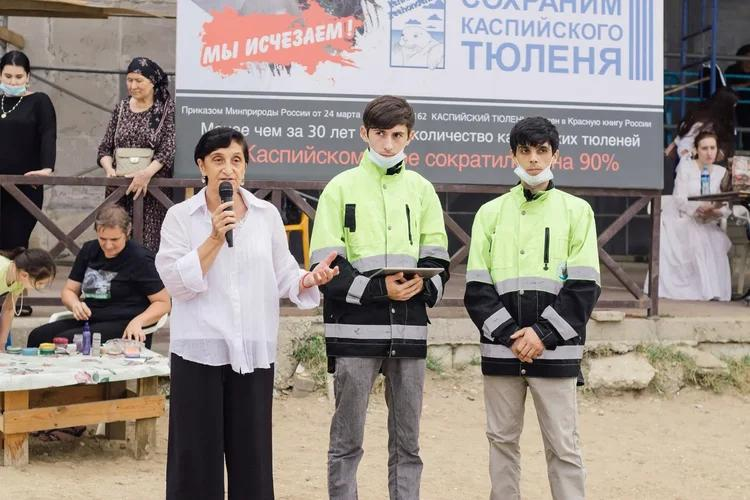 Экологическая акция «Спасем каспийского тюленя», 22 августа 2021 г., Махачкала, Республика Дагестан, Россия.